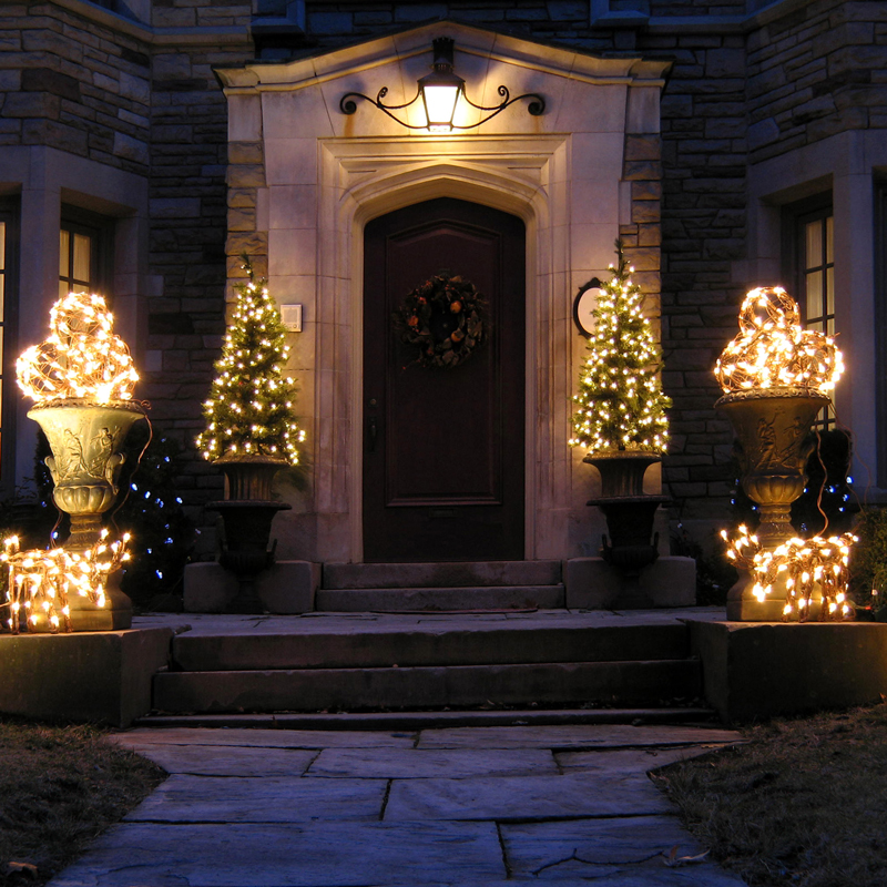 Okanagan Home Holiday Light Installation